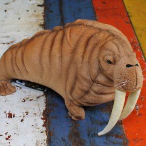 Walrus by Hansa
