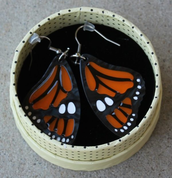 morpeth antique centre hunter valley erstwilder brooch necklace earrings pendant cardigan clips fan favourites mini cats prince of orange monarch butterfly retro collectable