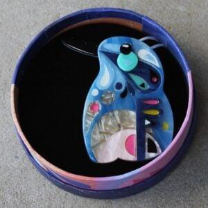Erstwilder Brooch – The Astute Azure Kingfisher
