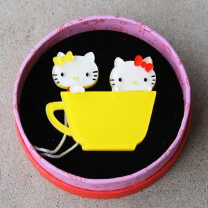 Erstwilder Brooch – Hello Kitty, Kitty & Mimmy