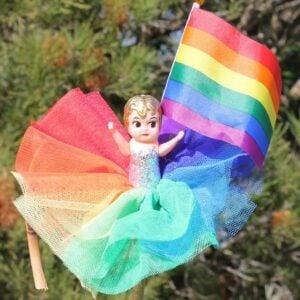 Deluxe Kewpie Doll – Rainbow