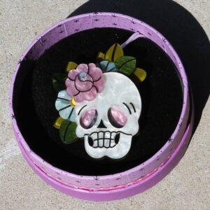 Erstwilder Brooch – Decay Bouquet (Skull)