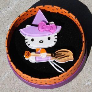 Erstwilder Brooch – Hello Kitty Learn to Spell