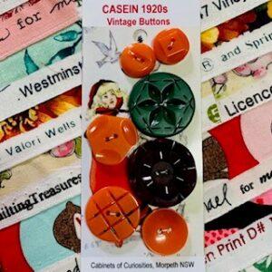 Casein Buttons, Vintage x 7 (code 076)