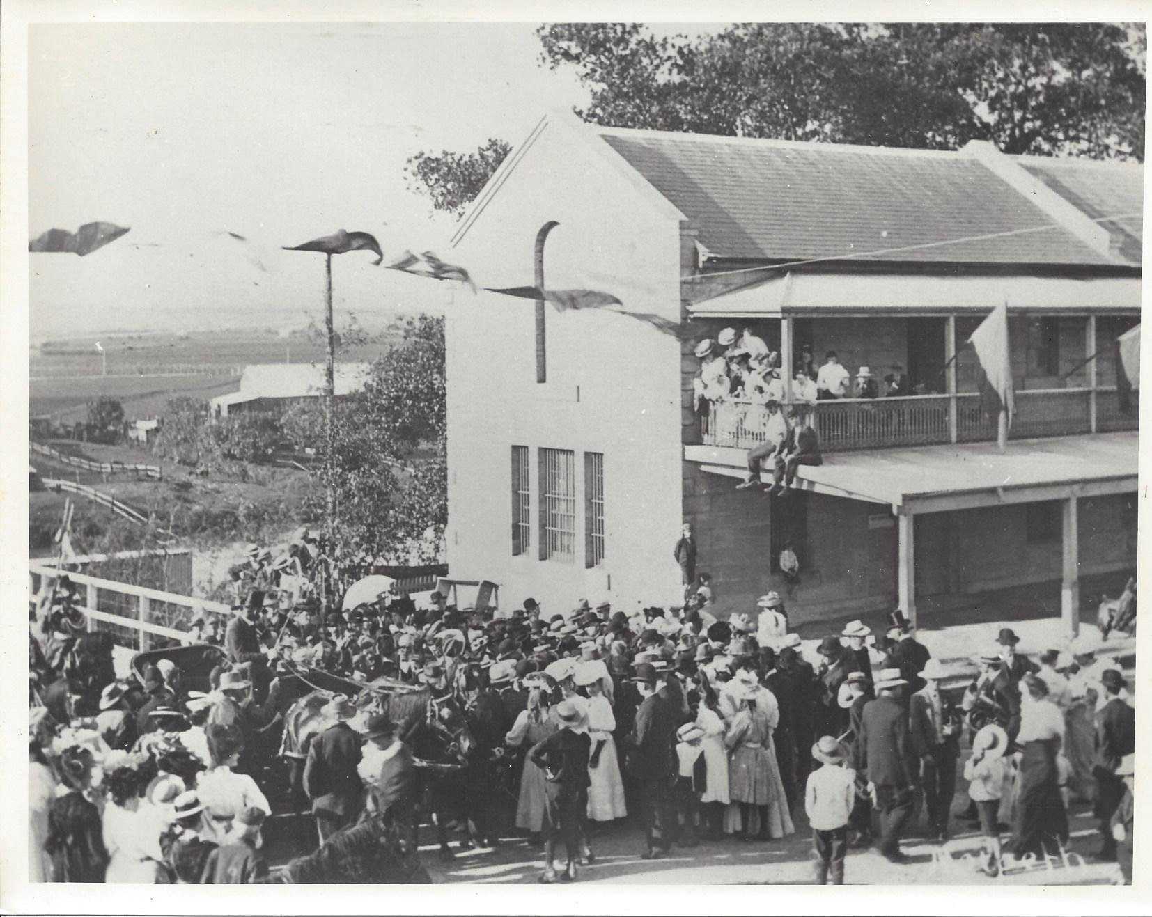 Read more about the article Have Your Photos Scanned – Morpeth Bicentenary Celebrations