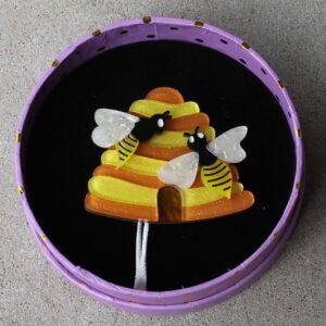 Erstwilder Brooch – Honey I'm Home