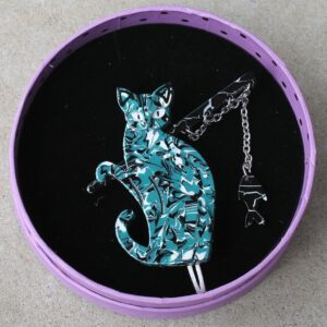 Erstwilder Brooch – The Famous Fishing Cat